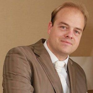 Dr. Martain Pierre Jean Loonen