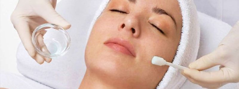 Pros and Cons of A Chemical Peel